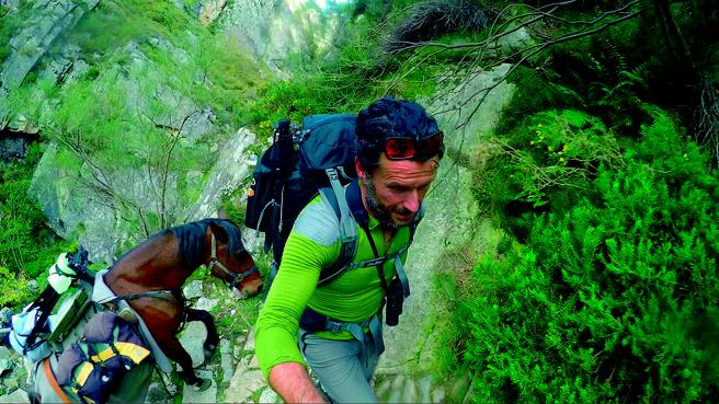 El hombre que vivió 100 días en la montaña completamente solo